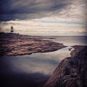 Det är landhöjningen vid Upplandskusten som skapar den fina miljön: grunda havsvikar som snörps av när landet som en gång trycktes ned av inlandsisen gradvis höjer sig.